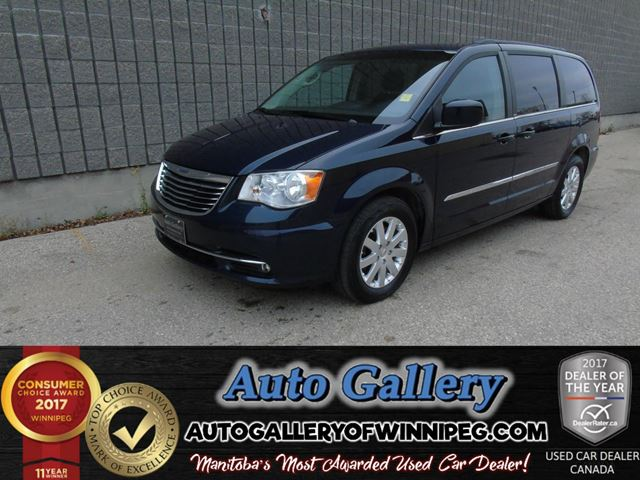 2013 CHRYSLER TOWN AND COUNTRY Touring *Pwr Sliders in Winnipeg, Manitoba