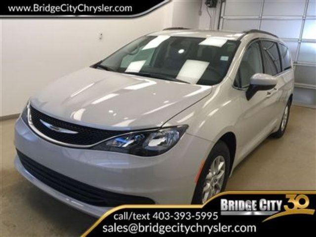 2017 CHRYSLER PACIFICA LX- 8 Passenger, Backup Camera! in Lethbridge, Alberta