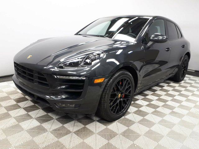 2017 PORSCHE MACAN CERTIFIED PRE-OWNED | Premium PLUS | Apple CarPlay | Lane Departure in Edmonton, Alberta