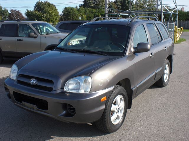 2005 HYUNDAI SANTA FE GL in London, Ontario