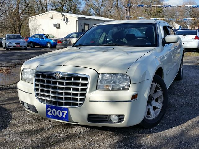 2007 CHRYSLER 300 certified in Oshawa, Ontario