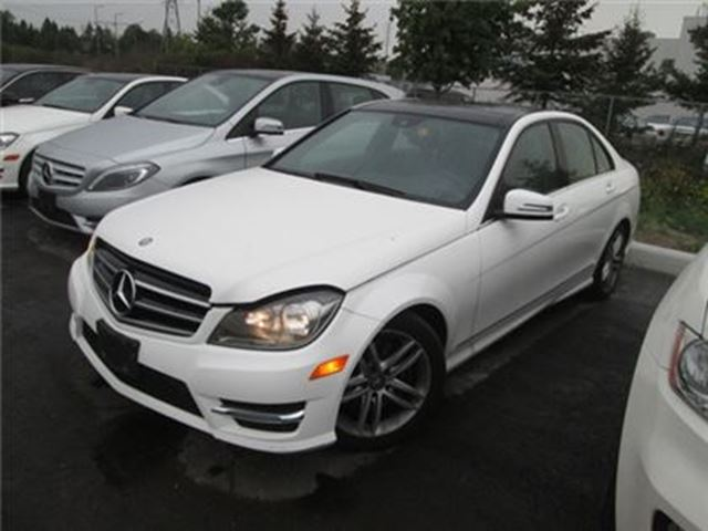 2014 MERCEDES-BENZ C-CLASS 300 / NAVIGATION / SUNROOF / LEATHER / AWD in Fonthill, Ontario