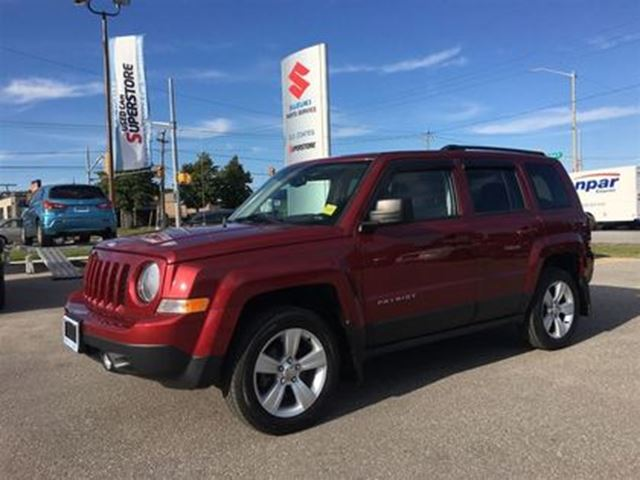 2014 JEEP PATRIOT North 4X4 ~Low Km ~Heated Seats ~Top Saftey Pick in Barrie, Ontario