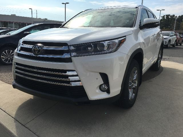 2017 TOYOTA HIGHLANDER LIMITED+FULLY LOADED!!   in Cobourg, Ontario
