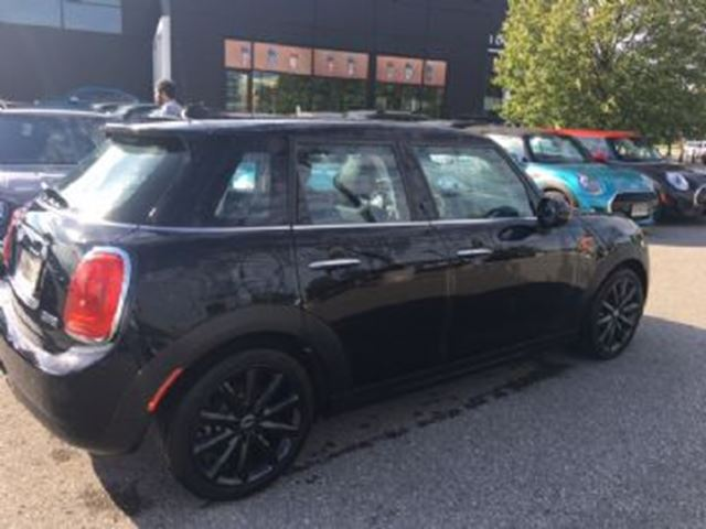 2017 MINI COOPER 2017 MINI Cooper 5 door in Mississauga, Ontario