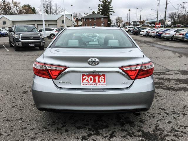 2016 toyota camry xle xtra warranty 100 000kms cobourg ontario car for sale 2900328. Black Bedroom Furniture Sets. Home Design Ideas