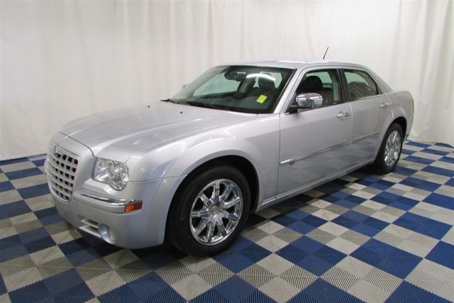 2008 CHRYSLER 300 ACCIDENT FREE/LEATHER/SUNROOF/MEMORY SEATS in Winnipeg, Manitoba