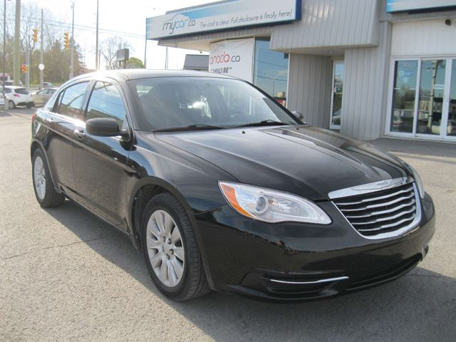 2013 CHRYSLER 200 LX in North Bay, Ontario