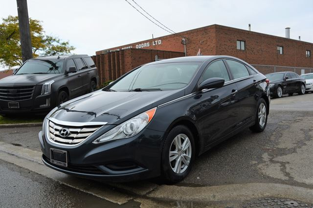2011 hyundai sonata 4 cylinder automatic bluetooth heated seats brampton ontario car for sale. Black Bedroom Furniture Sets. Home Design Ideas