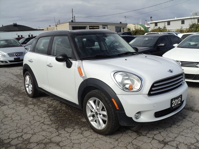 2012 MINI COOPER Countryman 4 DOOR PANORAMIC SUNROOF in Oakville, Ontario