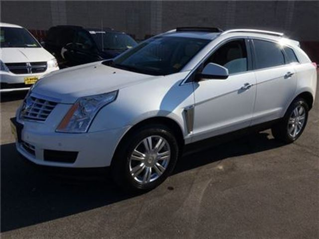 2014 CADILLAC SRX Luxury, Automatic, Navigation, Leather, Sunroof in Burlington, Ontario