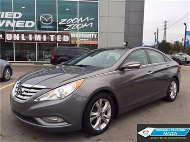 2012 HYUNDAI Sonata Limited / NAVI / LEATHER / PANO ROOF / CAMERA!!! in Toronto, Ontario