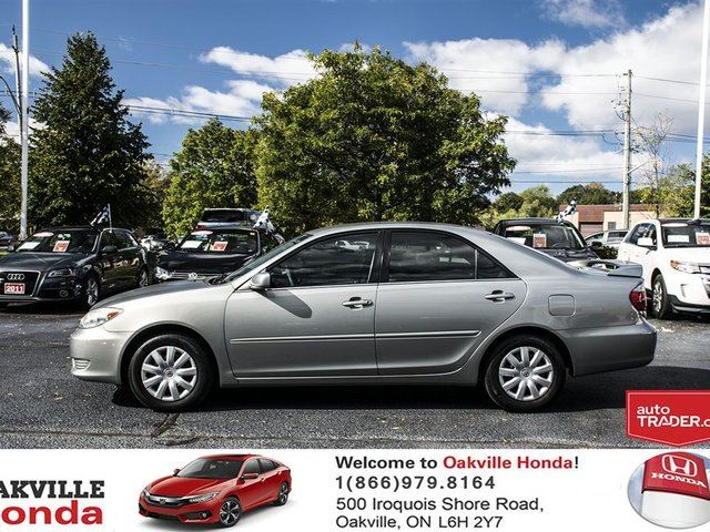 used 2006 toyota camry 4 door sedan le 5a oakville. Black Bedroom Furniture Sets. Home Design Ideas