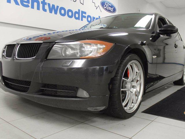 2006 BMW 325 325 xi- It may be a bit older but that doesn't stop it! Heated tan leather seats, sunroof, and push start/stop in Edmonton, Alberta