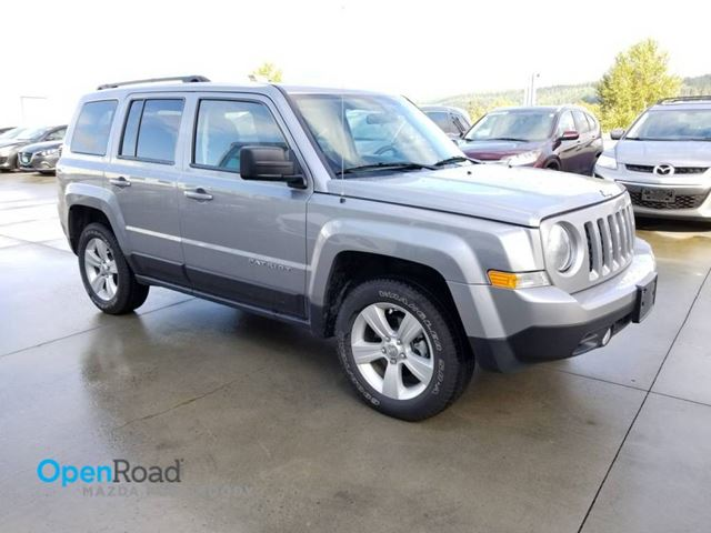 2015 JEEP PATRIOT A/T 4WD No Accident Local One Owner CD Player C in Port Moody, British Columbia