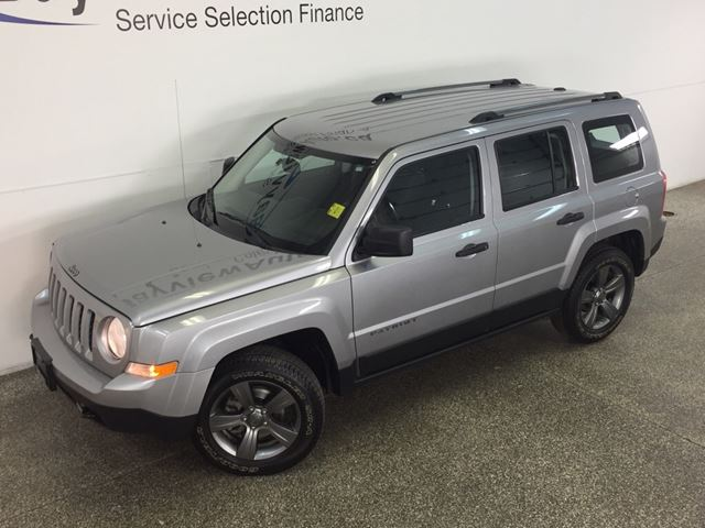 2017 JEEP PATRIOT SPORT- 4x4! ALLOYS! HTD SEATS! U-CONNECT! CRUISE! in Belleville, Ontario