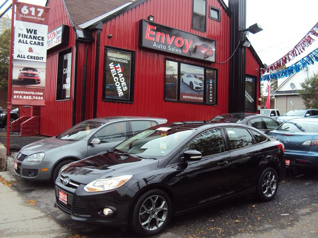 2013 FORD FOCUS SE LEATHER!!ONE OWNER!!NEW TIRES!!BLUETOOTH!! in Ottawa, Ontario