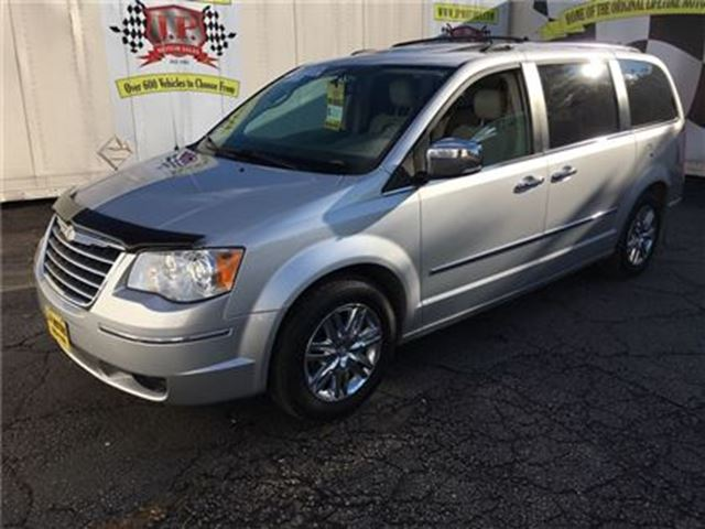 2008 CHRYSLER TOWN AND COUNTRY Limited, Auto, Navigation, Third Row Seating, in Burlington, Ontario