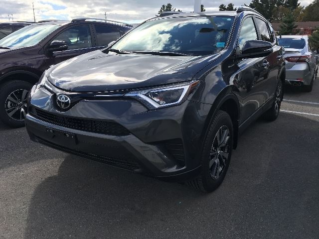 2018 TOYOTA RAV4 FWD LE+HEATED SEATS!   in Cobourg, Ontario