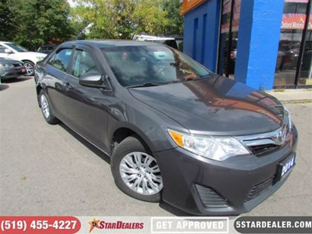 2014 TOYOTA CAMRY SE in London, Ontario