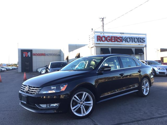 2013 VOLKSWAGEN PASSAT TDI - LEATHER - SUNROOF - HTD SEATS in Oakville, Ontario
