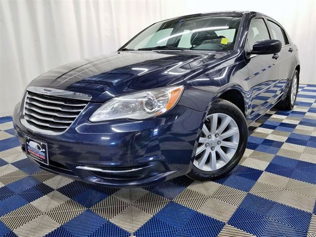 2014 CHRYSLER 200 LX/BLUETOOTH/ALLOYS/ACCIDENT FREE! in Winnipeg, Manitoba