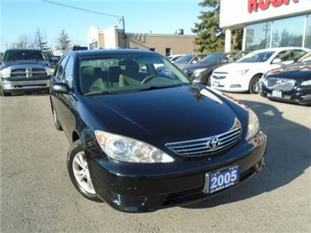 2005 TOYOTA CAMRY 4dr Sdn LE Auto SUNROOF  NEW BRAKES MICHELIN TIRES in Oakville, Ontario