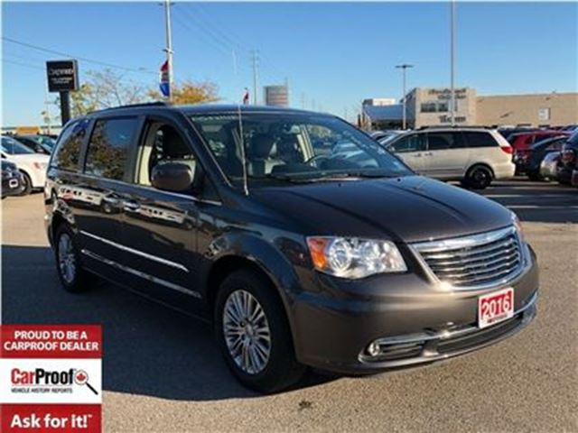 2016 CHRYSLER TOWN AND COUNTRY TOURING-L**DUAL DVD ENTERTAINMENT**POWER SUNROOF** in Mississauga, Ontario