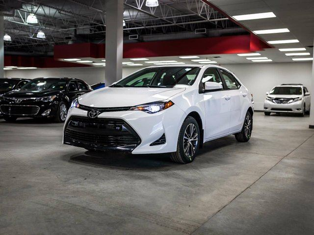 2017 TOYOTA COROLLA LE UPGRADE, SAFETY SENSE, HEATED SEATS, HEATED STEERING WHEEL, SUNROOF, TOUCH SCREEN, BACK UP CAMERA, USB/AUX, ALLOY RIMS, BLUETOOTH in Edmonton, Alberta