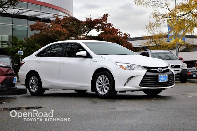 2015 TOYOTA CAMRY Hybrid LE in Richmond, British Columbia
