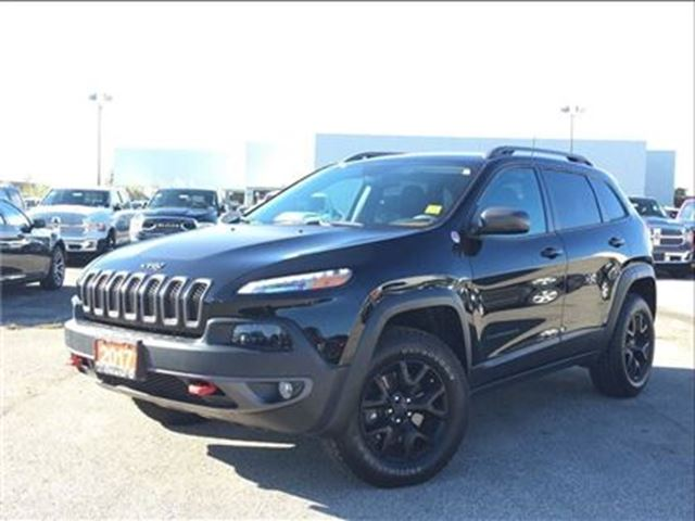 2017 JEEP CHEROKEE TRAILHAWK**LEATHER**TRAILER TOW GROUP**NAV** in Mississauga, Ontario