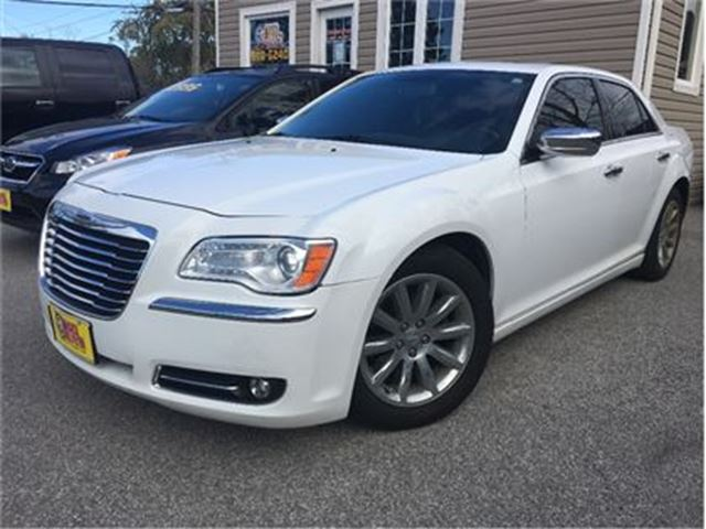 2012 CHRYSLER 300 Limited NAVIGATION LEATHER MOON ROOF in St Catharines, Ontario