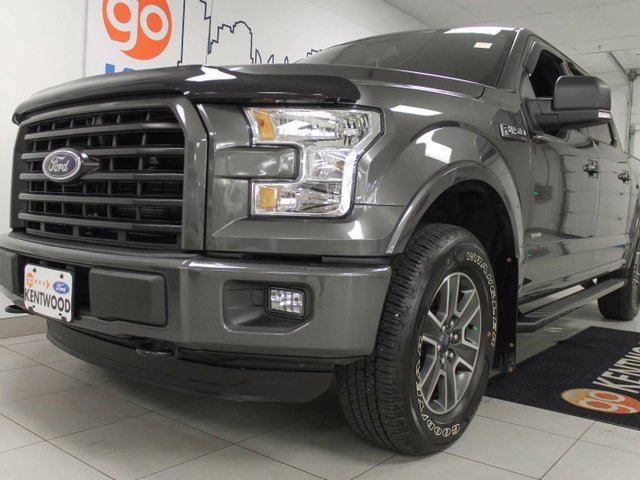 2016 FORD F-150 XLT 2.7L V6 ecoboost with NAV, back up cam and power seats in Edmonton, Alberta