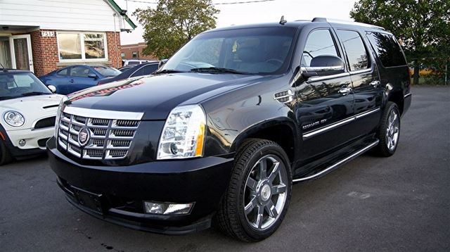 2011 cadillac escalade esv 4wd 22 inch rims navi blindspot dual dvd woodbridge. Black Bedroom Furniture Sets. Home Design Ideas