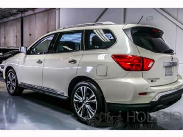 2017 NISSAN PATHFINDER FULLY LOADED 4X4 in Mississauga, Ontario