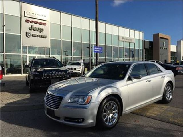 2012 CHRYSLER 300 Base 5.7L HEMI V8 PANO SUNROOF NAV CAMERA in Pickering, Ontario