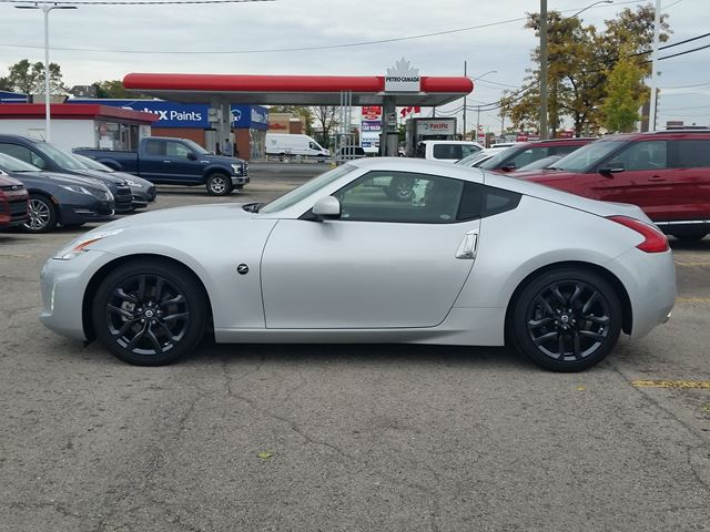 2016 nissan 370z touring hamilton ontario car for sale. Black Bedroom Furniture Sets. Home Design Ideas