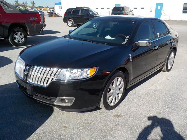 2010 LINCOLN MKZ           in Innisfil, Ontario