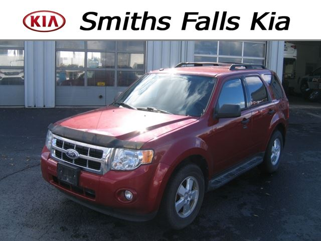 2010 FORD ESCAPE XLT V6 4WD in Smiths Falls, Ontario
