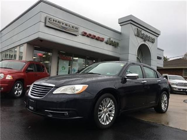 2012 CHRYSLER 200 LIMITED,LEATHER,SUNROOF,HTD SEATS in Niagara Falls, Ontario