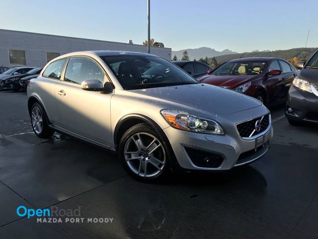 2011 VOLVO C30 T5 A/T Local Bluetooth AUX Cruise Control TCS A in Port Moody, British Columbia