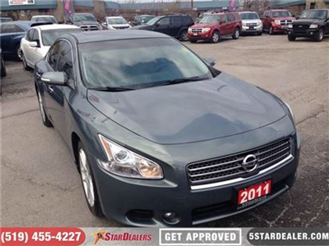 2011 NISSAN MAXIMA SV   LEATHER   PWR ROOF   HTD PWR SEATS in London, Ontario