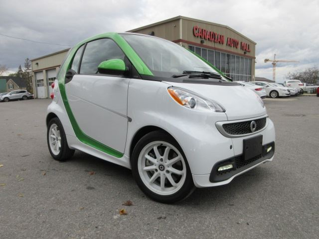 2014 SMART FORTWO ELECTRIC DRIVE ELECTRIC! PASSION, NAV, ROOF, 24K! in Stittsville, Ontario