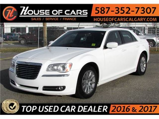 2013 CHRYSLER 300 Touring / Back Up Camera / Sunroof / Leather in Calgary, Alberta