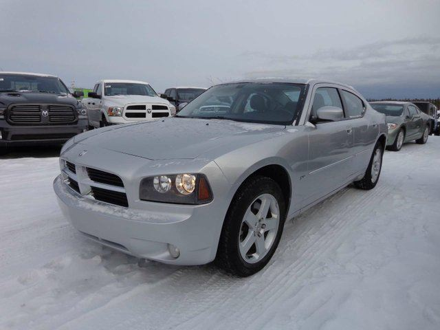 2010 DODGE CHARGER SXT in Yellowknife, Northwest Territories