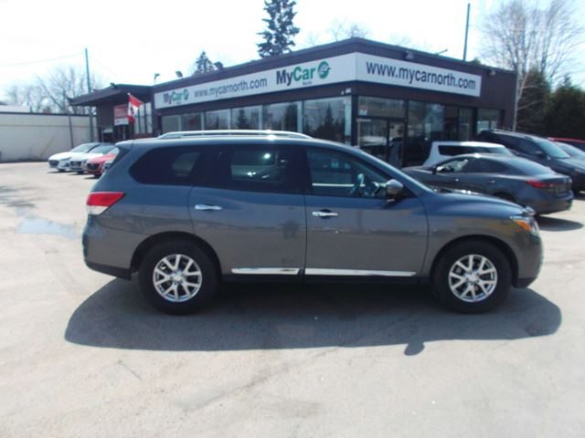 2015 NISSAN PATHFINDER SL SL, LEATHER, PANORAMIC ROOF, NAVIGATION in North Bay, Ontario