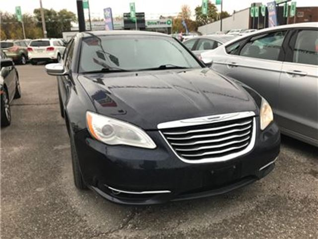 2011 CHRYSLER 200 Touring   HEATED SEATS in London, Ontario