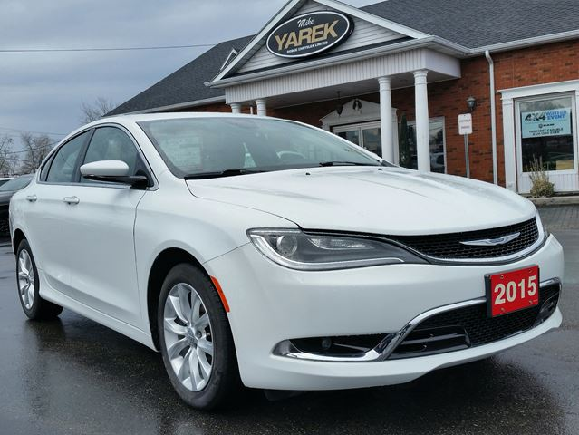 2015 Chrysler 200C C, Leather Heated Seats, NAV, Pano Roof, Bluetooth, Back Up Cam in Paris, Ontario