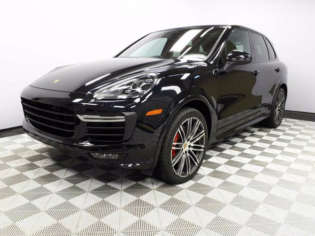 2016 PORSCHE CAYENNE CERTIFIED PRE-OWNED | Premium PLUS | Sport Chrono | Heated & Cooled Seats | 21 Inch Wheels | Heated Windshield in Edmonton, Alberta