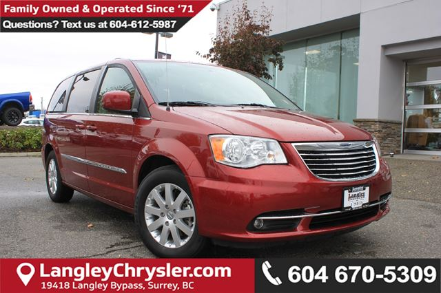 2016 CHRYSLER TOWN AND COUNTRY Touring *ACCIDENT FREE*ONE OWNER*LOCAL BC VAN* in Surrey, British Columbia